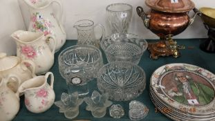 A small qty of glassware