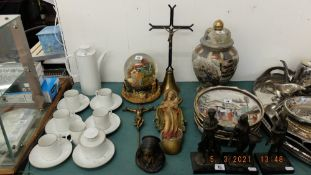 A small qty of religious items