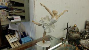 A 'Shau Bach Kynst' German ballerina