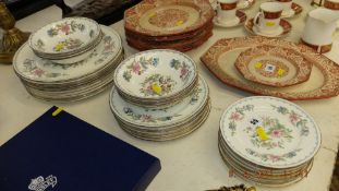 A qty of Aynsley, Pembroke china,