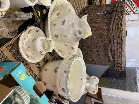 A Royal Vitreous jug and bowl set