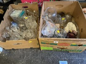 A qty of mixed glassware
