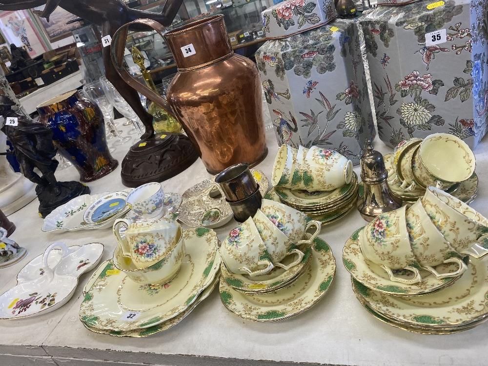 A 12 place Crown Staffordshire tea set, inc. - Bild 3 aus 3