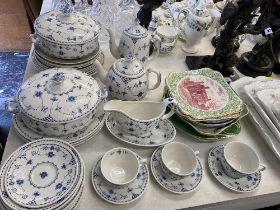 A qty of assorted china,
