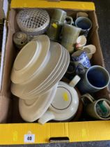 A qty of Hornsea and other pottery