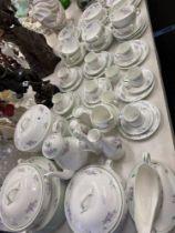 An Aynsley dinner/ tea set