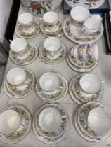 A Colclough Hedgerow tea set and two Minton boxed plates