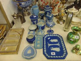 A qty of Wedgewood