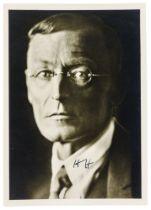 Hesse, Hermann. Zwei Porträt-Postkarten und zwei Publikationen, eigenhändig signiert bzw.