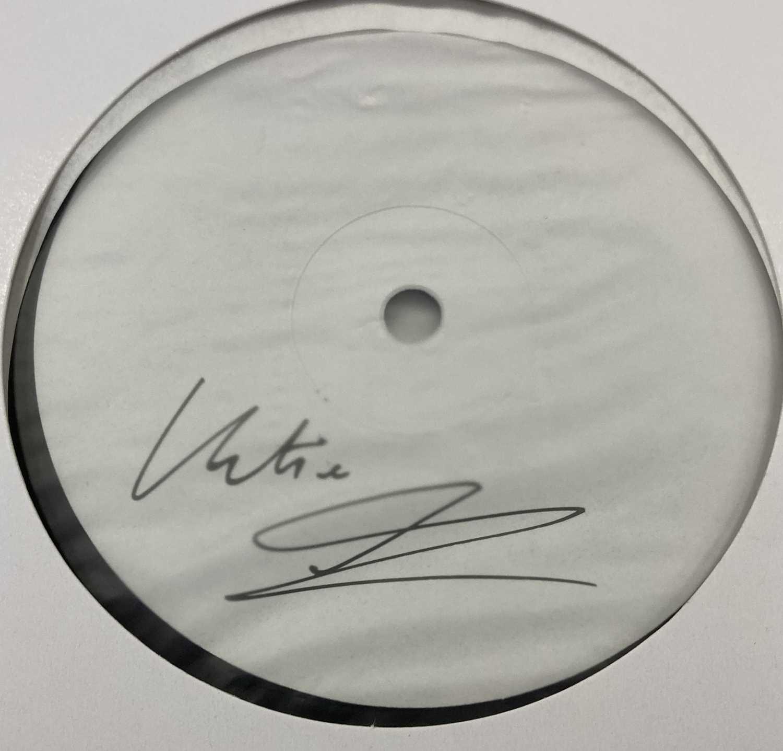 KATIE MELUA - ALBUM NO. 8 LP (2020 WHITE LABEL TEST PRESSING - SIGNED) - Image 2 of 2