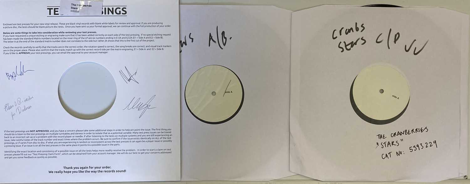 CRANBERRIES - STARS WHITE LABEL TEST PRESSING SIGNED BY THE BAND AND EILEEN O'RIORDAN. - Image 2 of 4