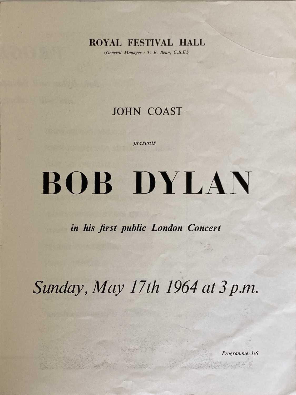 CONCERT PROGRAMMES TO INC BOB DYLAN 1964 FESTIVAL HALL. - Image 4 of 8