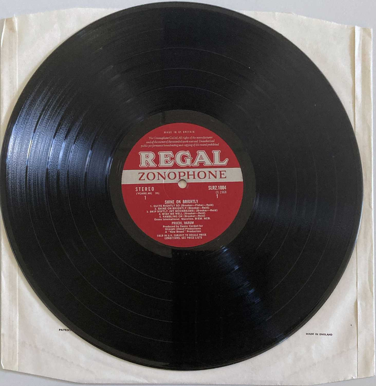 PROCOL HARUM - SHINE ON BRIGHTLY LP (ORIGINAL UK PRESSING - REGAL ZONOPHONE SLRZ 1004) - Image 4 of 4