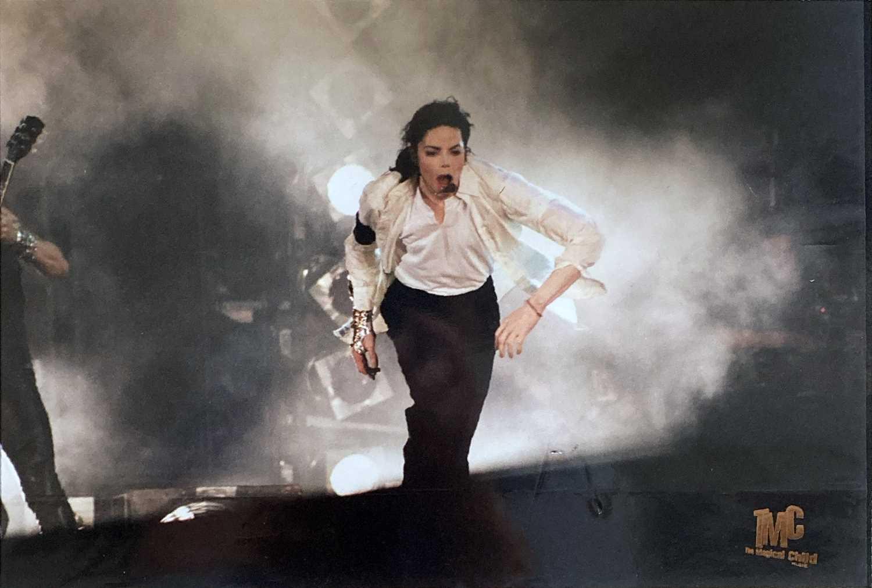 MICHAEL JACKSON PHOTOGRAPH COLLECTION. - Image 6 of 6