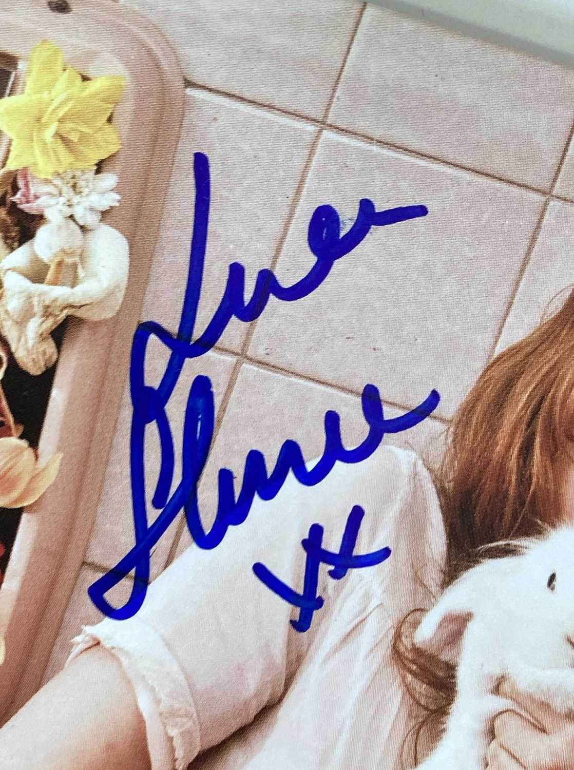 FLORENCE AND THE MACHINE SIGNED ITEMS. - Image 3 of 10