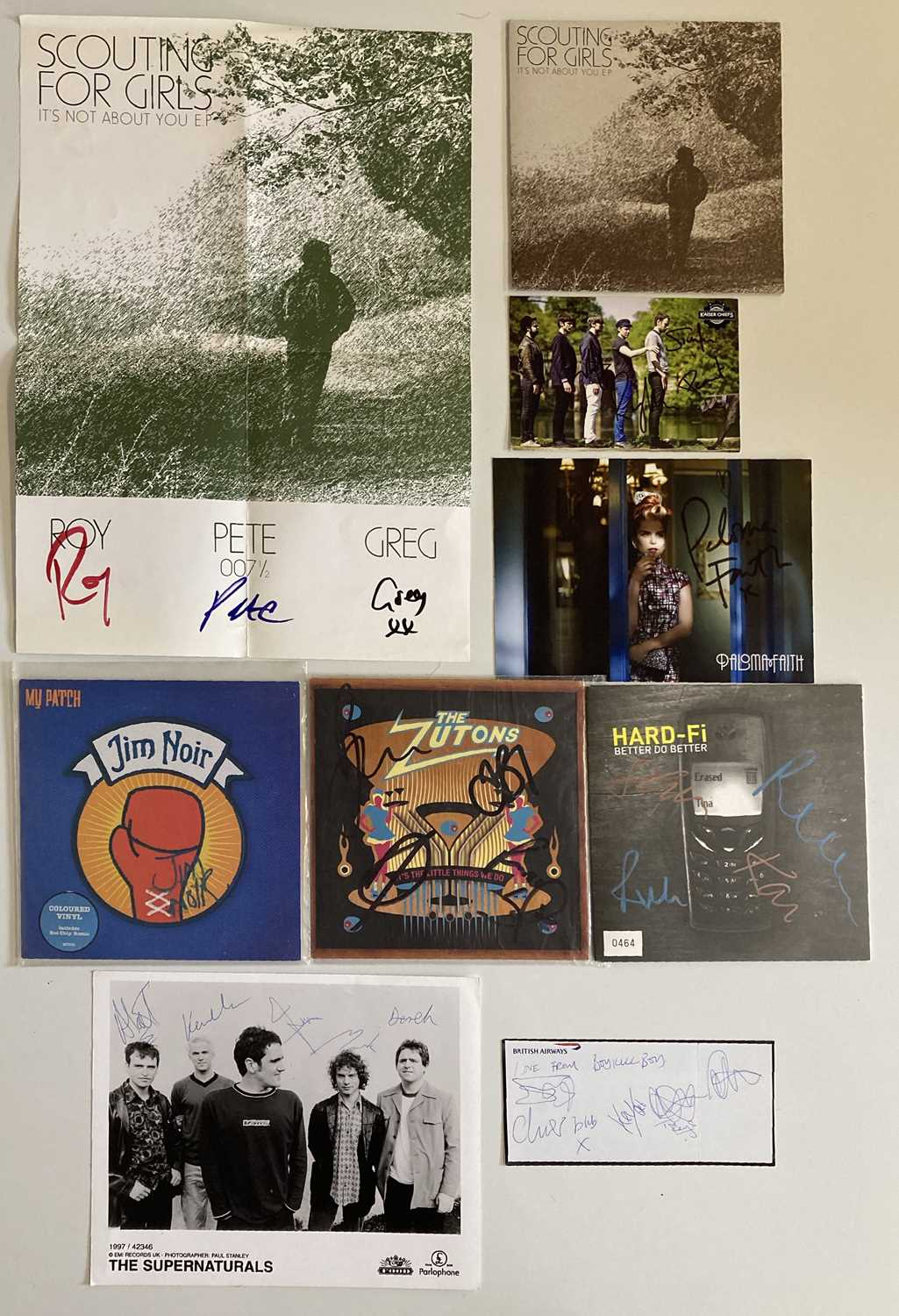 INDIE ARTISTS SIGNED ITEMS - HARD FI.