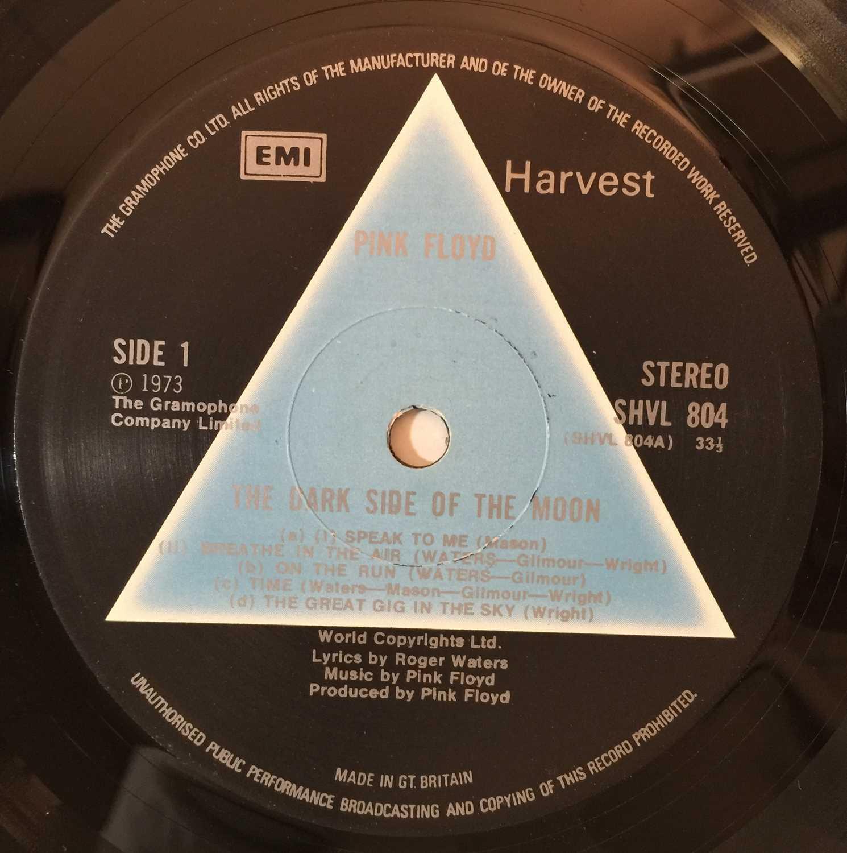 PINK FLOYD - THE DARK SIDE OF THE MOON LP (1ST UK 'SOLID BLUE' PRESSING- EMI HARVEST SHVL 804) - Image 4 of 6