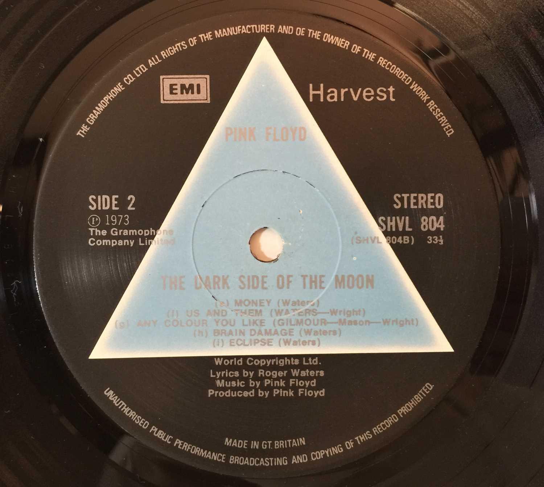 PINK FLOYD - THE DARK SIDE OF THE MOON LP (1ST UK 'SOLID BLUE' PRESSING- EMI HARVEST SHVL 804) - Image 5 of 6