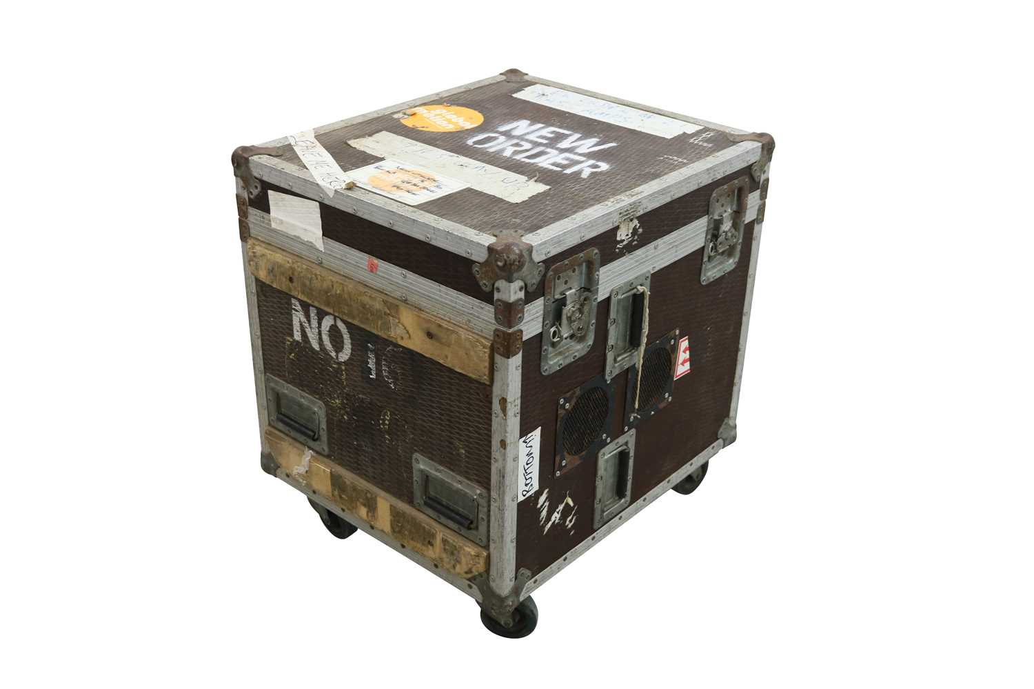 NEW ORDER BASS AMPS FLIGHT CASE - Image 2 of 3
