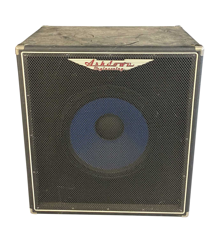 ASHDOWN D600 'SALFORD RULES' BASS GUITAR PRE-AMP & ASHDOWN 300W CAB SPEAKER - Image 3 of 4