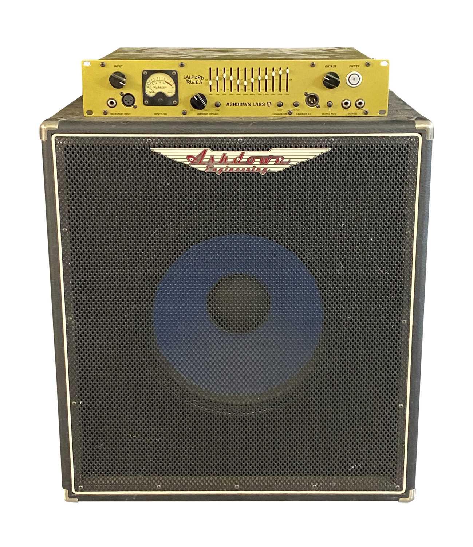 ASHDOWN D600 'SALFORD RULES' BASS GUITAR PRE-AMP & ASHDOWN 300W CAB SPEAKER