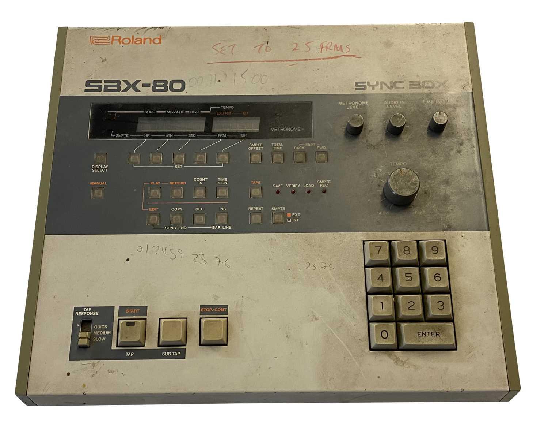 YAMAHA DX-5 KEYBOARD, YAMAHA QX-1 SEQUENCER & ROLAND SYNC BOX SBX-80 - Image 5 of 5