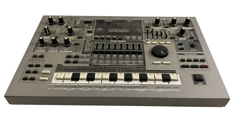 YAMAHA MD45 MULTITRACK MD RECORDER & ROLAND MC-505 GROOVEBOX - Image 4 of 5