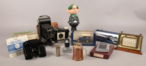 A group of collectables. View-master Stereoscope & four reels (boxed), Andy Capp (Avon cosmetics)
