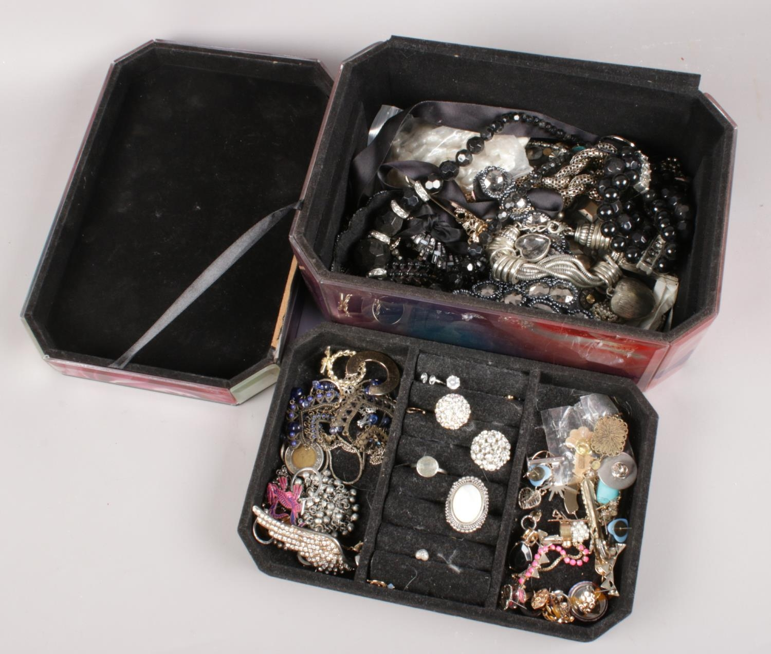 A quantity of costume jewellery. Including rings, necklaces, beads, earrings, etc.