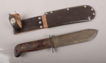 A WW2 Bayonet & Scabbard. 31cm length