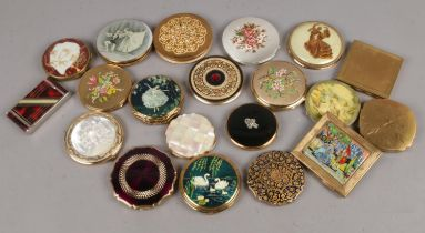 A group of 20 Vintage Powder compacts. To include Stratton, Kigu, Melissa etc