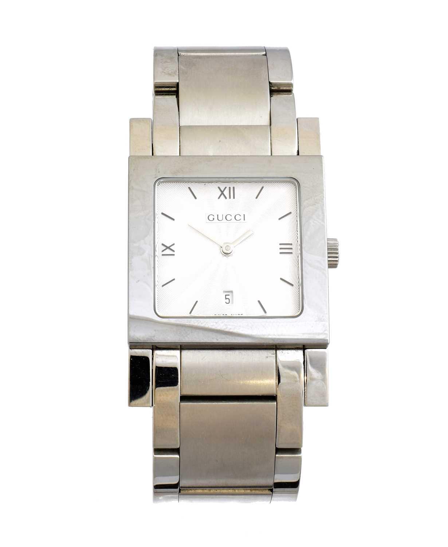 A Gucci quartz wristwatch,