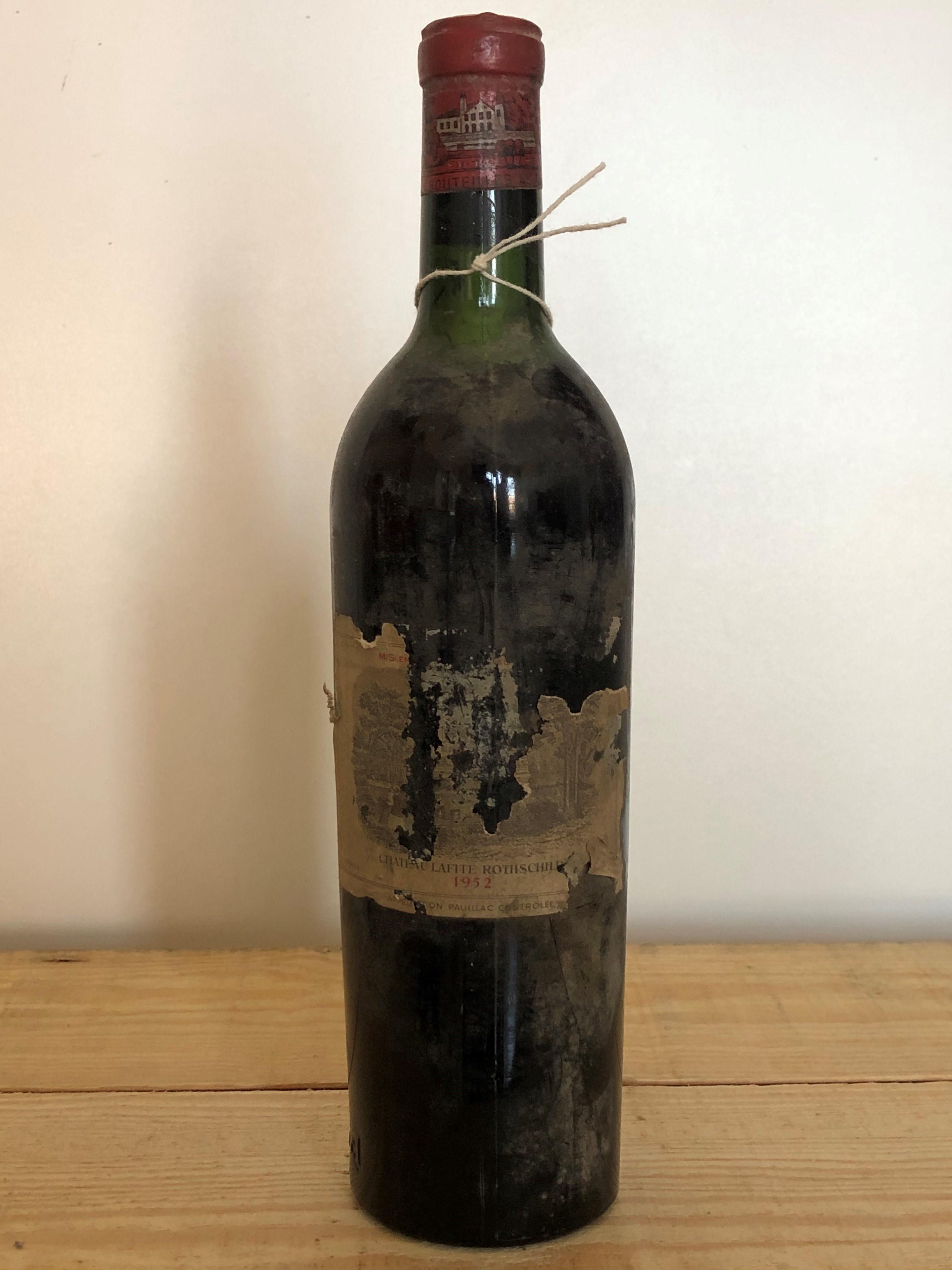 1 Bottle Chateau Lafite Rothschild Premier Grand Cru Classe Pauillac 1952