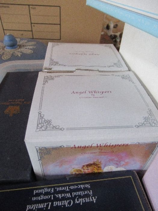 A collection of boxed ornaments, to include Me To You bears, Royal Worcester jug, Angel Whispers, - Image 5 of 7