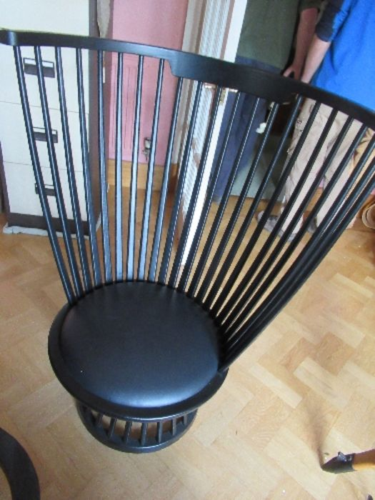 Ebonised high comb back chair of inverted pyramid form. - Image 3 of 3