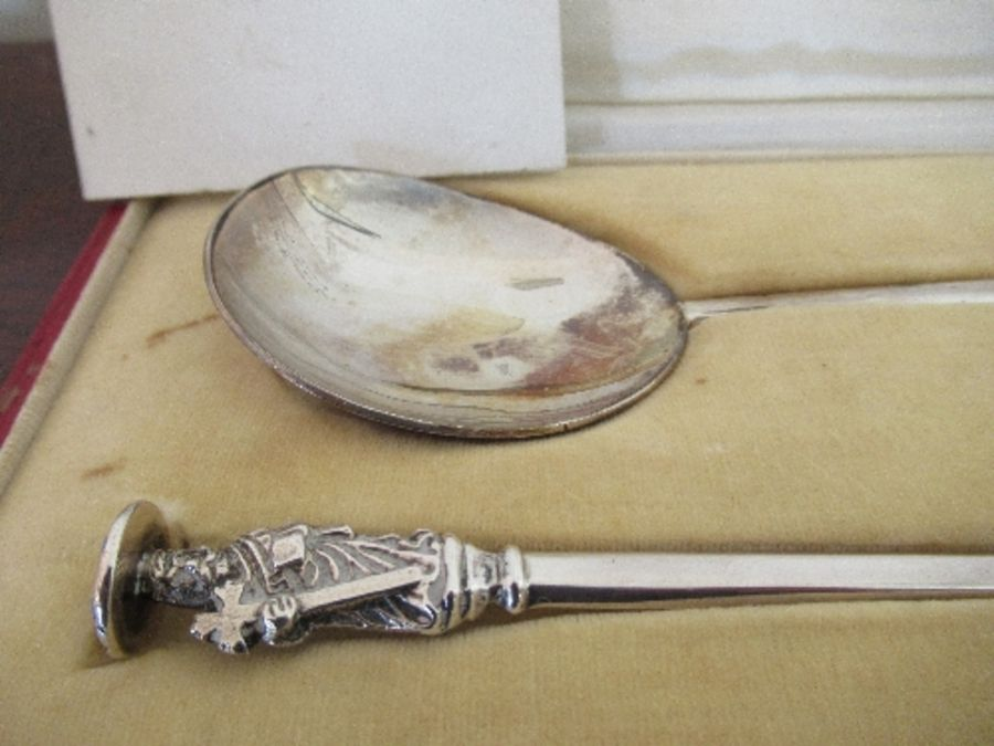 A pair of cased silver apostle spoons, the original in Corpus Christi College, present by the Master - Image 2 of 3