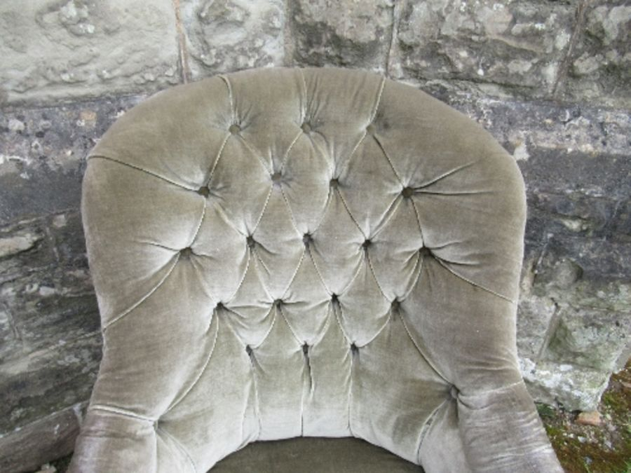 A Victorian chair, in green upholstery - Image 3 of 4