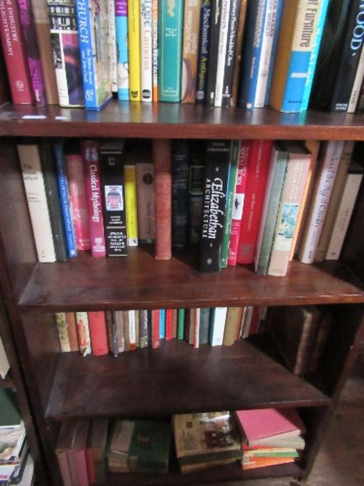 A large collection of books, to include paperbacks and art history books, etc. - Image 3 of 6
