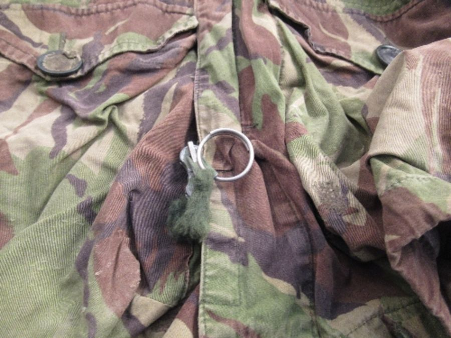 A vintage SAS captain's camouflage smock - Image 2 of 5
