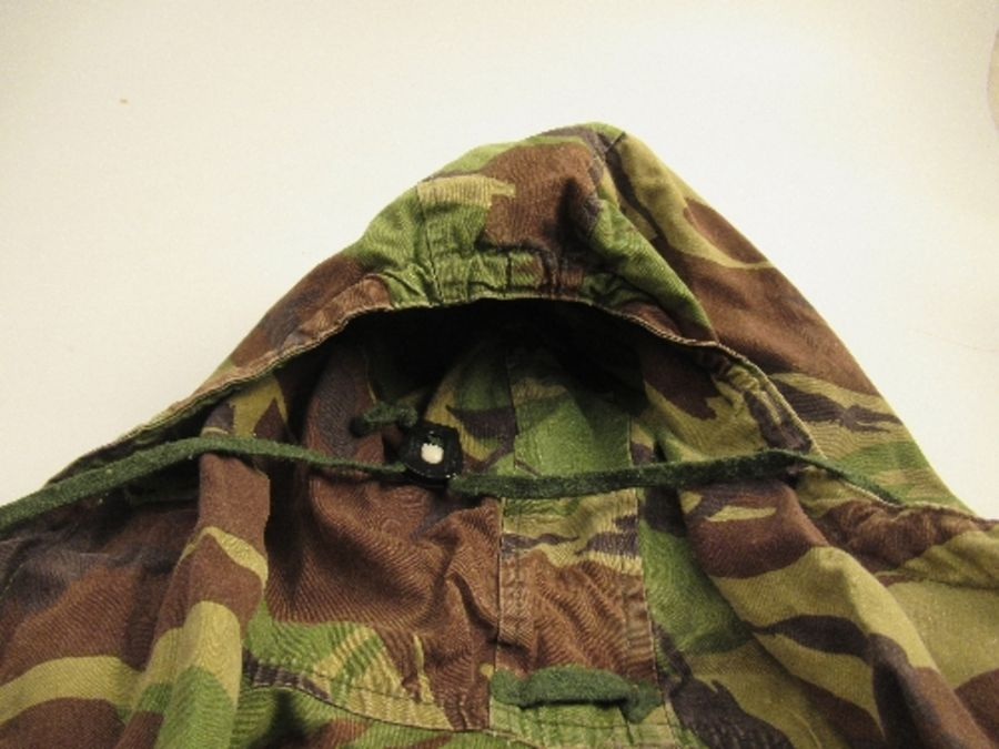 A vintage SAS captain's camouflage smock - Image 3 of 5