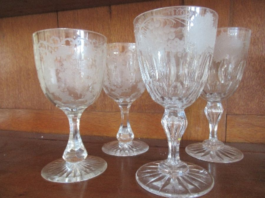 Nine various rummers and wine glasses, having engraved and etched bowls - Image 2 of 3