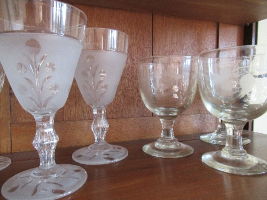 Nine various rummers and wine glasses, having engraved and etched bowls - Image 3 of 3