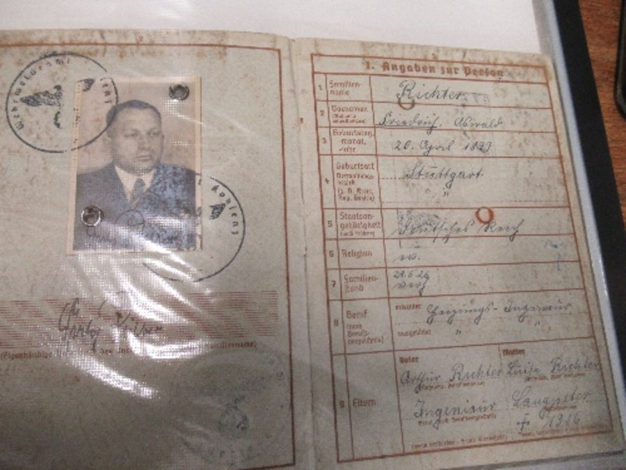 World War I and World War II, military and family documents for Freidrich Richter and his wife - Image 4 of 11