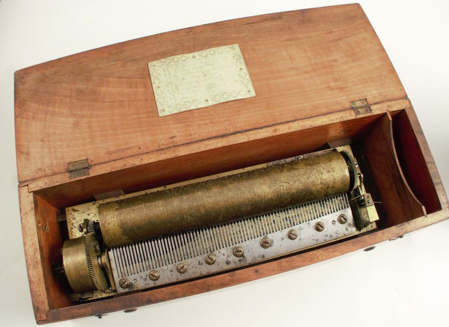 A Swiss music box, circa 1860, marked Henrique, plays 8 airs, possibly by Nicole Freres
