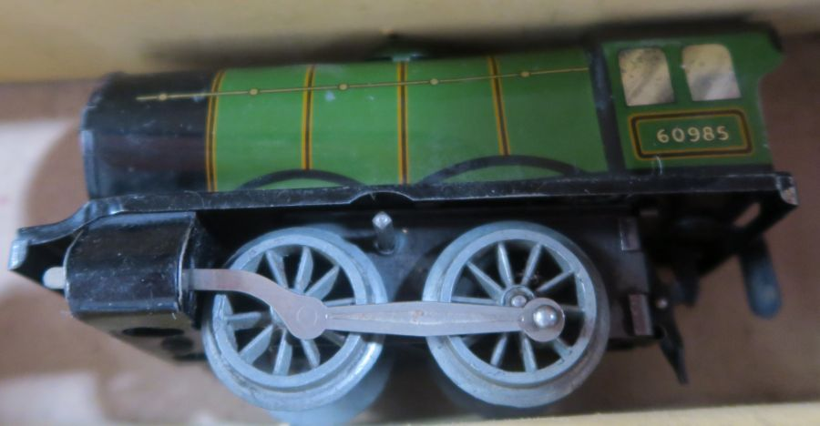 A boxed Hornby clockwork Train Goods Set, number 20, O gauge, in green livery - Image 4 of 5