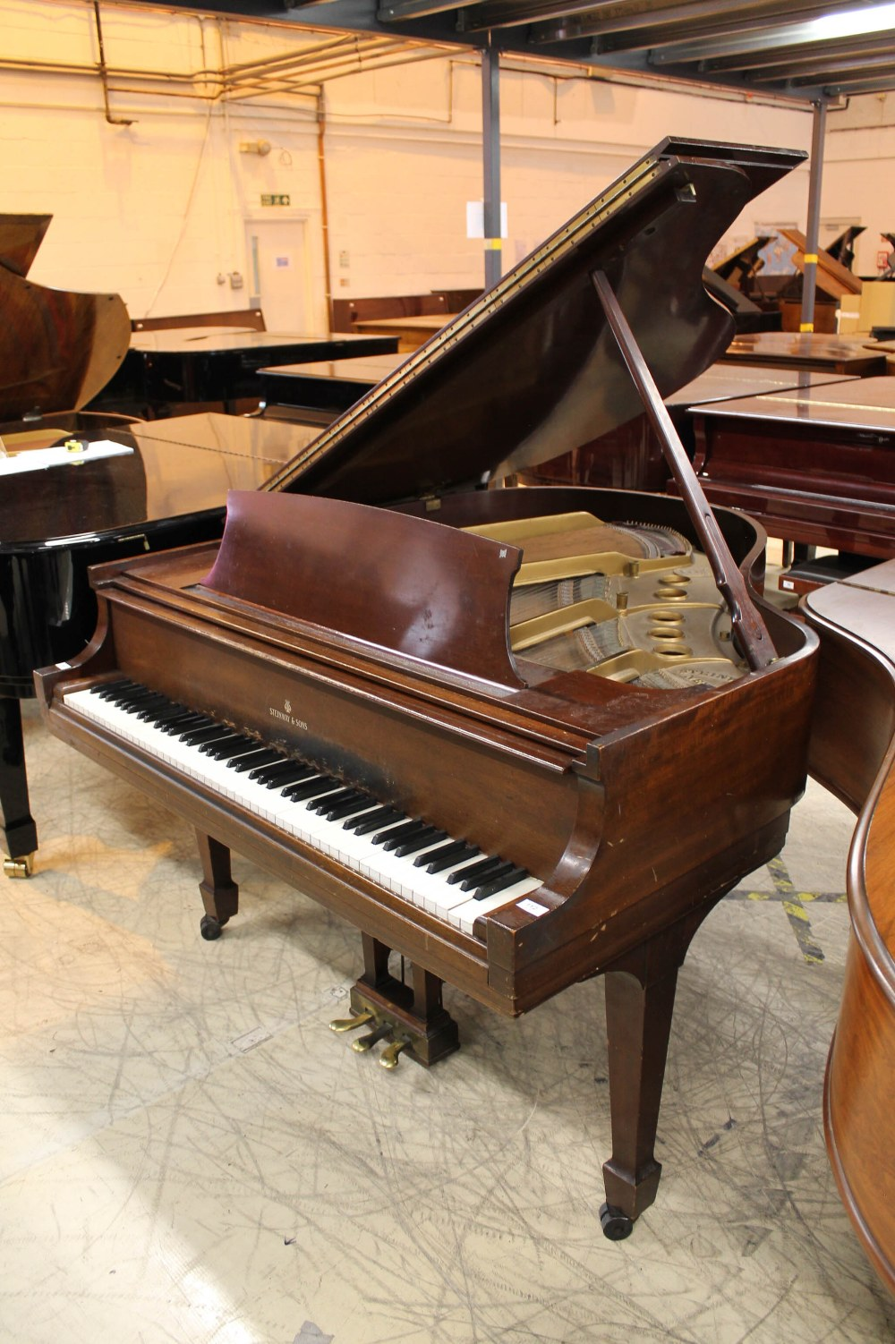 Steinway (c1950) A 5ft 1in Model S grand piano in a mahogany case on square tapered legs.