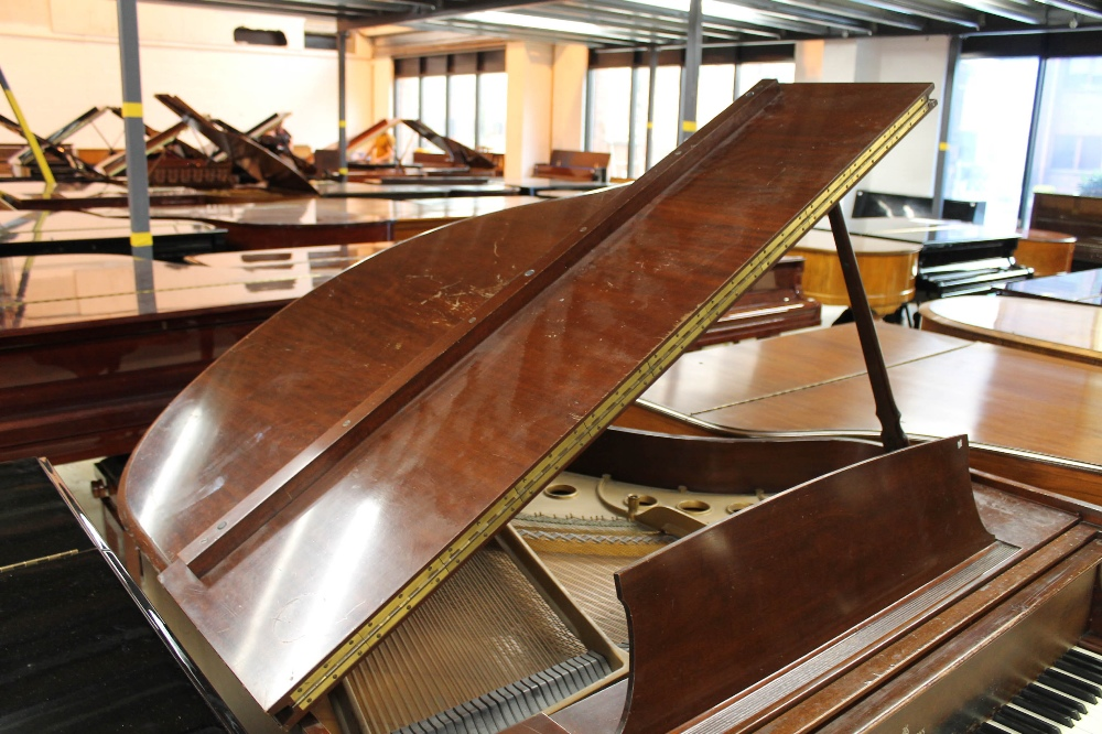Steinway (c1950) A 5ft 1in Model S grand piano in a mahogany case on square tapered legs. - Image 5 of 7
