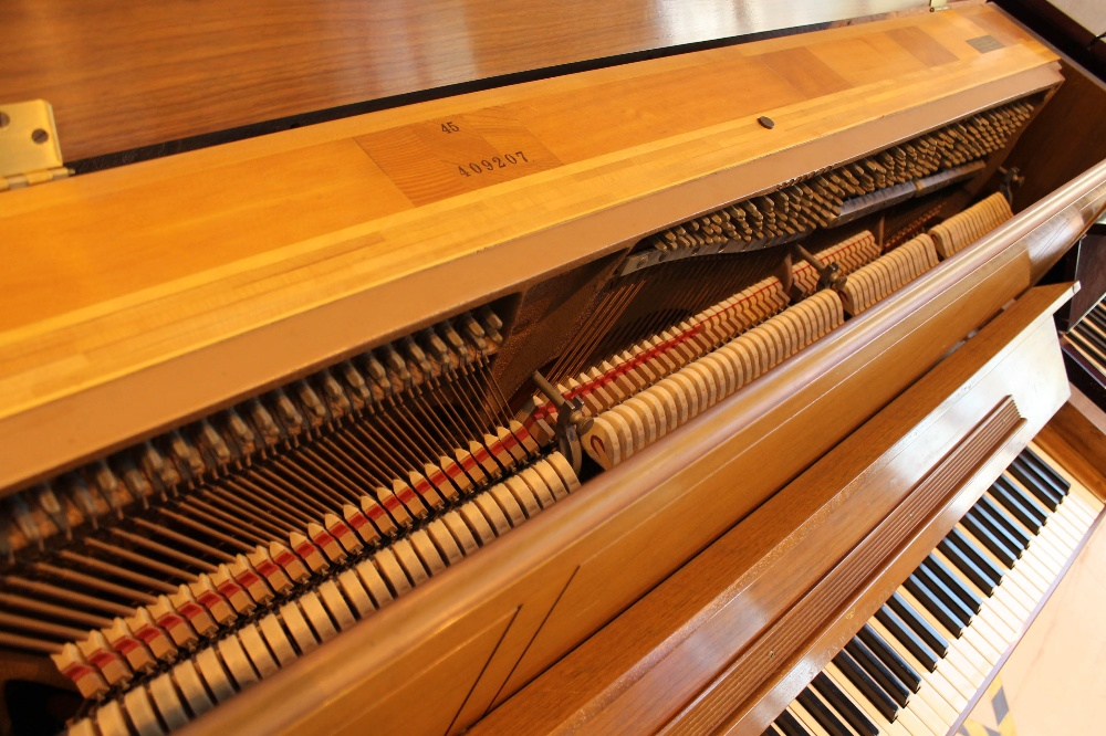"""Steinway (c1969) A """"New York Professional"""" upright piano in a walnut sable case; - Image 4 of 5"""