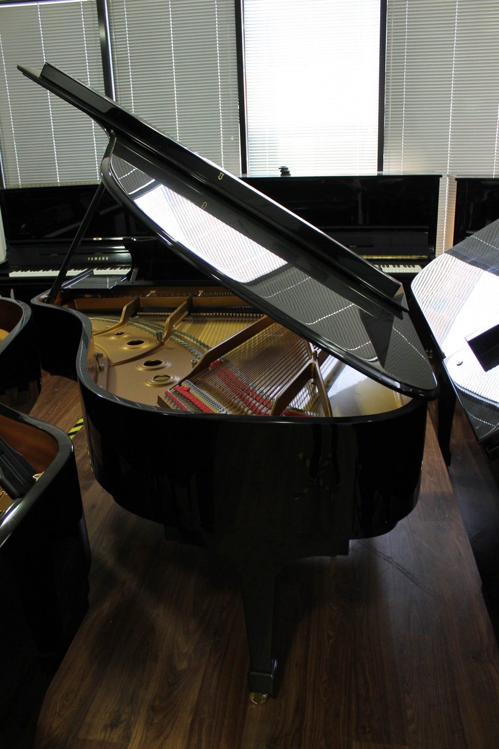 Steinway (c1986) A 6ft 2in Model A grand piano in a bright ebonised case on square tapered legs. - Image 7 of 8