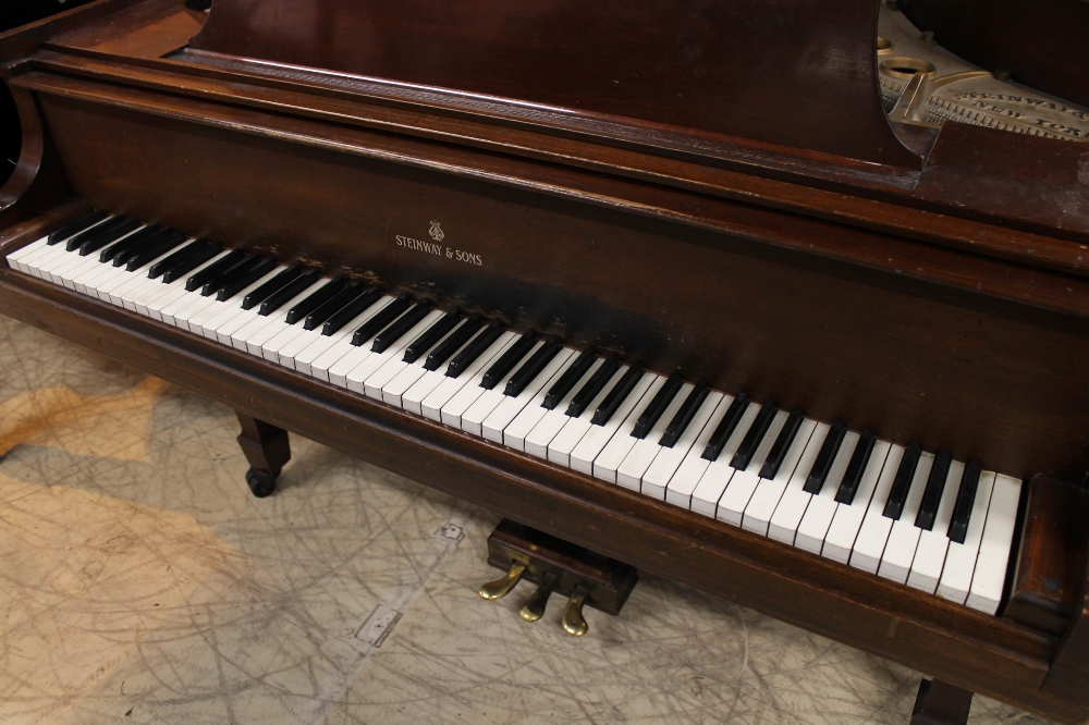 Steinway (c1950) A 5ft 1in Model S grand piano in a mahogany case on square tapered legs. - Image 2 of 7